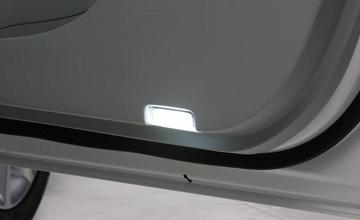 REVIER(レヴィーア) 10 レクサスHS LEDカーテシランプ